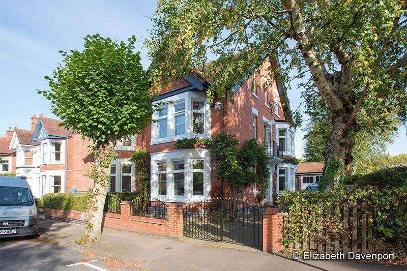 5 Bedrooms Semi Detached House for sale in Spencer Avenue, Earlsdon