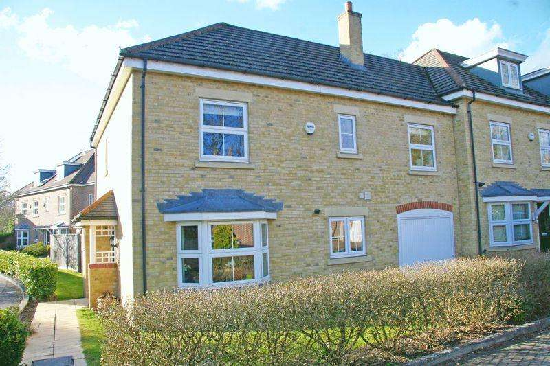 4 Bedrooms House for sale in Cranwells Lane, Farnham Common