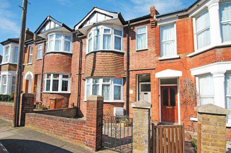3 Bedrooms Terraced House for rent in Kings Avenue, Rochester