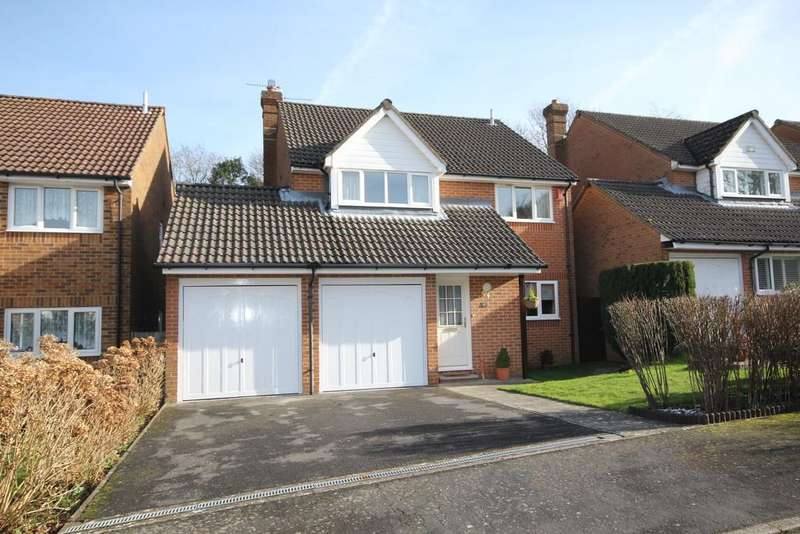 4 Bedrooms Detached House for sale in The Glebelands, Crowborough