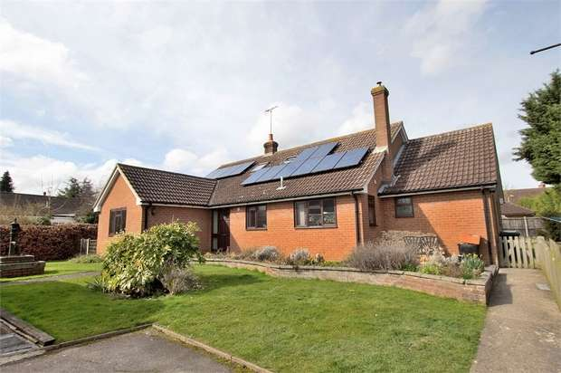 4 Bedrooms Detached House for sale in Barnston, Dunmow, Essex