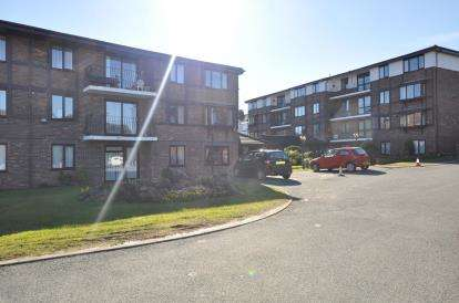 1 Bedroom Retirement Property for sale in Pensby Road, Heswall, Wirral, CH60