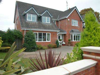 4 Bedrooms Detached House for sale in Yewtree Close, Little Neston, Neston, CH64