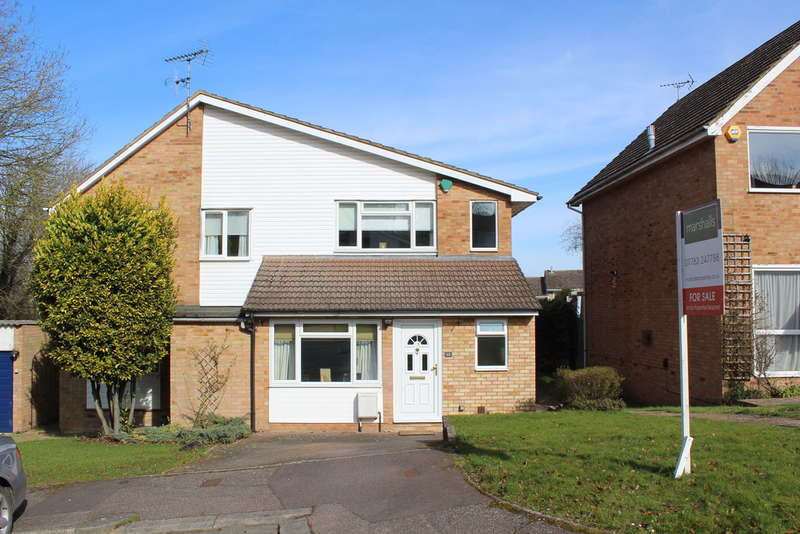 3 Bedrooms Semi Detached House for sale in Cartwright Road, Royston