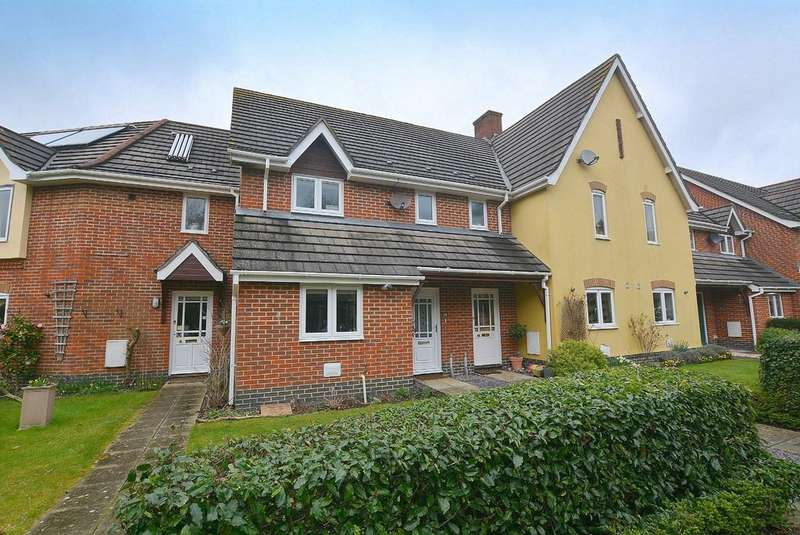 3 Bedrooms Terraced House for sale in Henbest Close, Wimborne