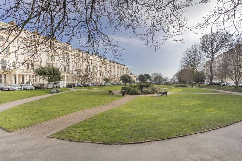 2 Bedrooms Apartment Flat for sale in Palmeira Square, Hove