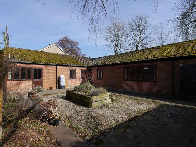 3 Bedrooms Detached Bungalow for rent in Ash Street, Boxford, Sudbury, Suffolk, CO10 5HJ