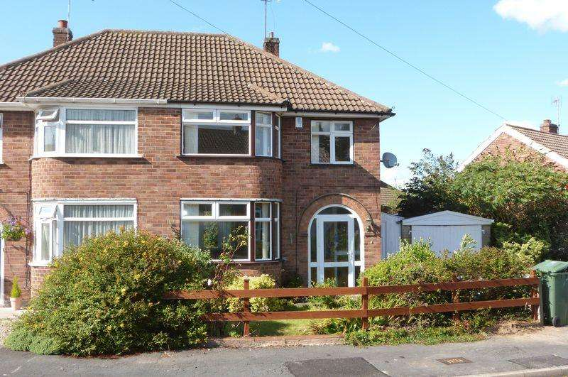 3 Bedrooms Semi Detached House for rent in Thorpe Drive, Wigston