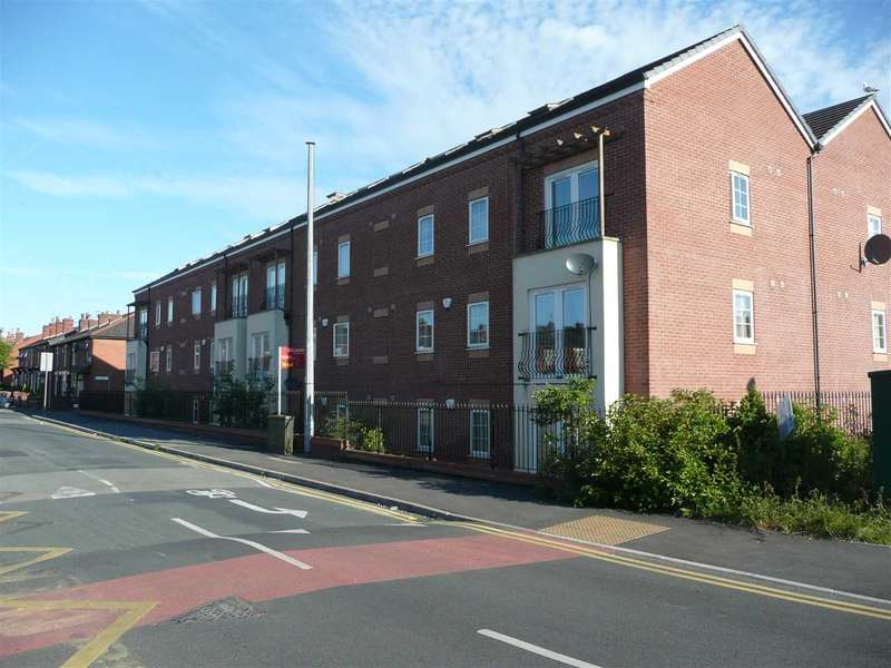 2 Bedrooms Apartment Flat for rent in Windermere Court, Windermere Road, Leigh