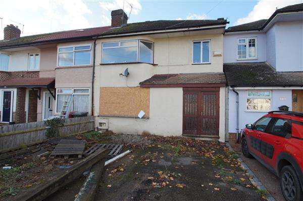 4 Bedrooms End Of Terrace House for sale in Stanhope Road, Cippenham, Slough