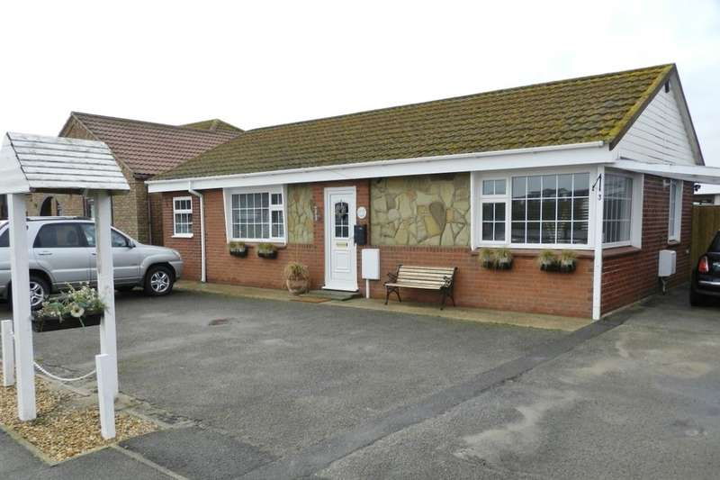 2 Bedrooms Detached Bungalow for sale in Roman Bank, Sandilands, Mablethorpe, LN12
