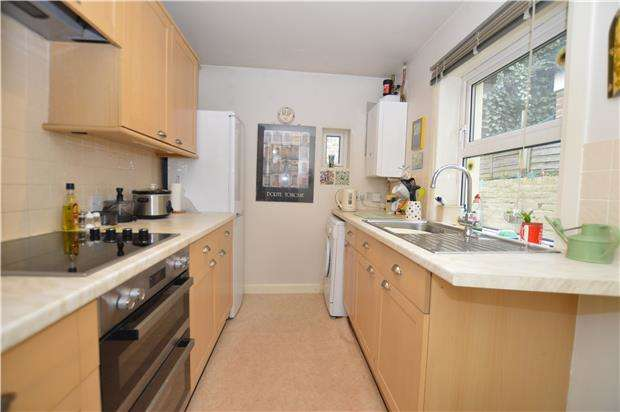 2 Bedrooms Terraced House for sale in Brook Street, Hastings, East Sussex, TN34 1RX