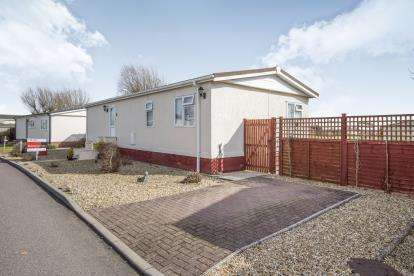 2 Bedrooms Bungalow for sale in Marina View, Dogdyke, Coningsby, Lincolnshire