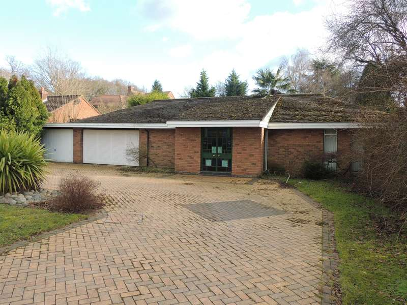 3 Bedrooms Bungalow for sale in Browns Lane, Knowle, Solihull
