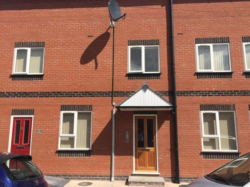 2 Bedrooms Flat for rent in Bright Street