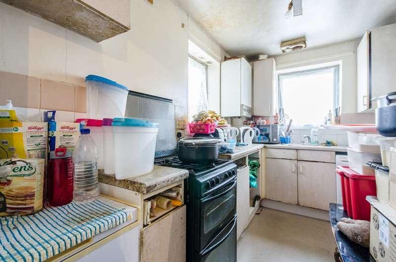 1 Bedroom Flat for sale in St Georges Way, Peckham, SE15