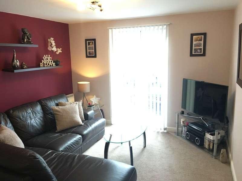 2 Bedrooms Apartment Flat for rent in Bridgewater Close, Frodsham, Cheshire, WA6
