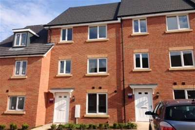 4 Bedrooms Town House for rent in Butterfield Gardens, Rugby