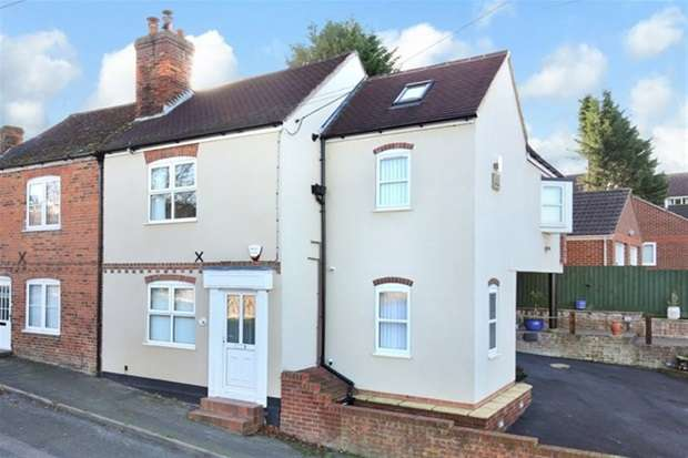 3 Bedrooms Semi Detached House for sale in Newtown