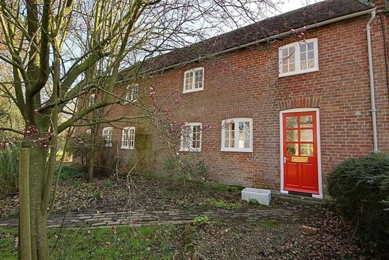 3 Bedrooms Cottage House for rent in Muddles Green, BN8 6HS