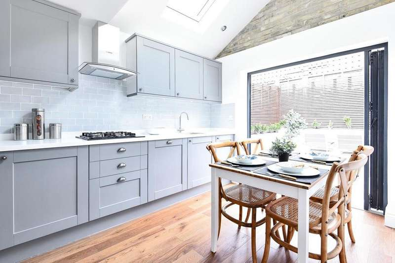 2 Bedrooms Terraced House for sale in Cowick Road, Tooting