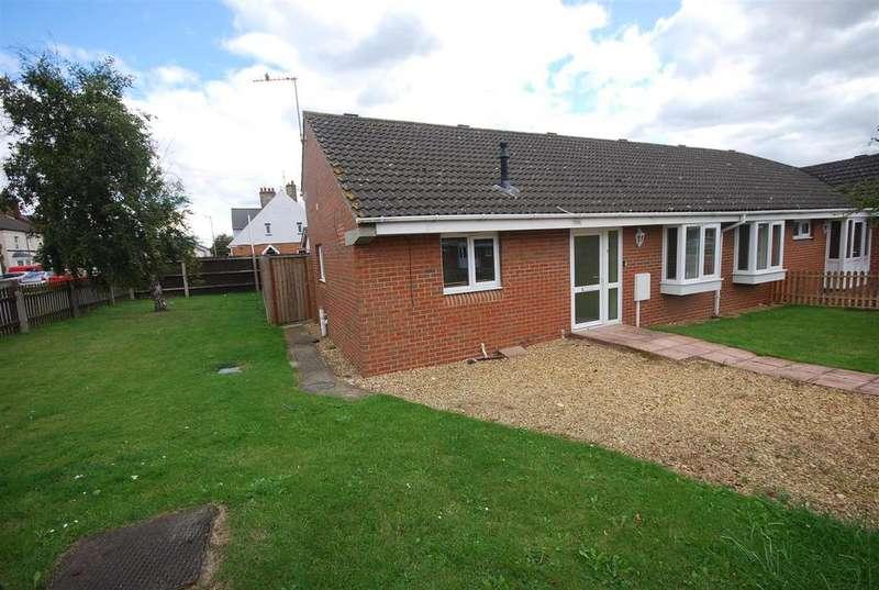 2 Bedrooms Semi Detached Bungalow for sale in Eaton Gardens, Spalding