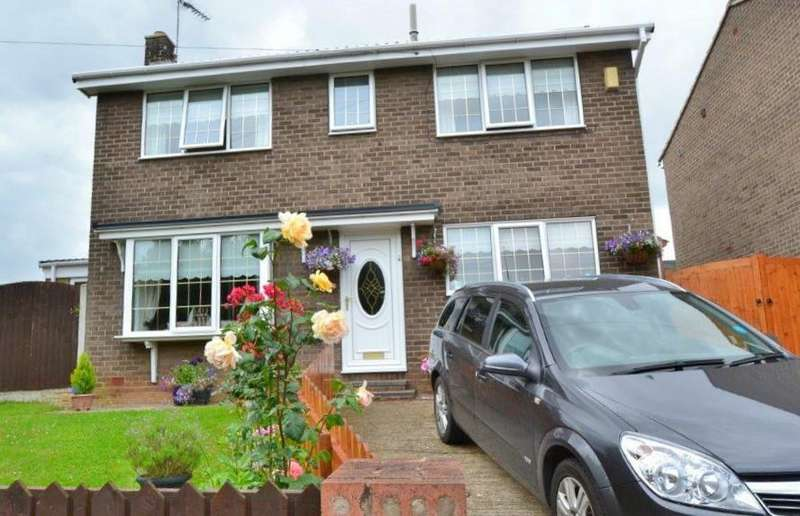 3 Bedrooms House for sale in Greenacre Road, Upton, Pontefract, WF9 1NP