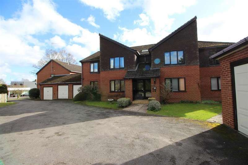 2 Bedrooms Apartment Flat for sale in Sycamore Court, Pangbourne, Reading