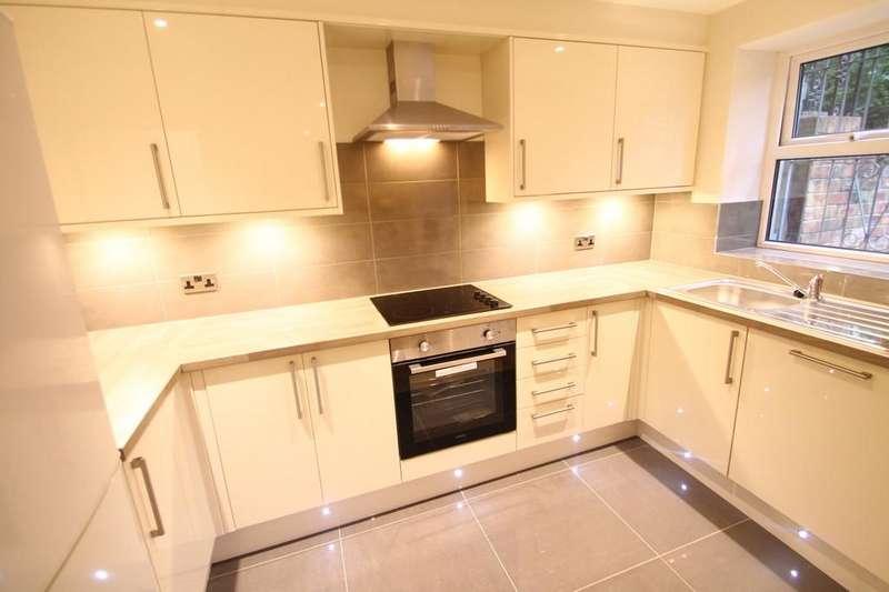 2 Bedrooms Apartment Flat for rent in Moorland Hall, Leeds