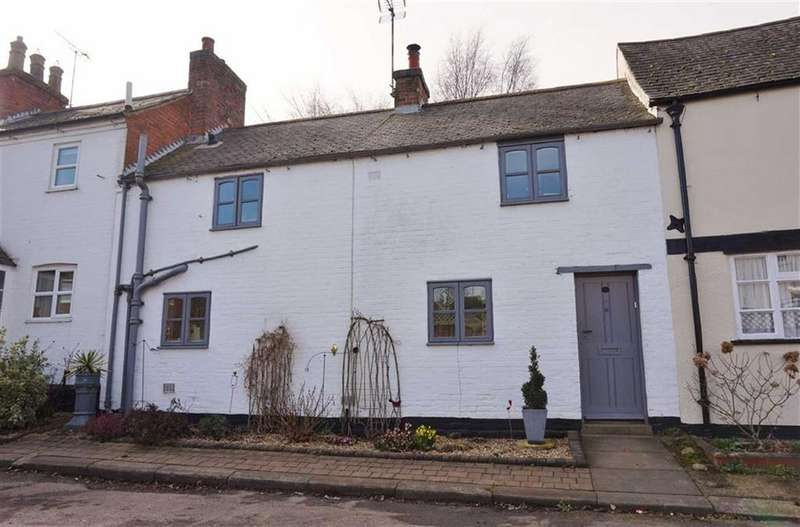 3 Bedrooms Terraced House for sale in Houghton-on-the-Hill