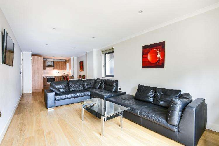 3 Bedrooms Apartment Flat for rent in 1 Lett Road Stratford E15