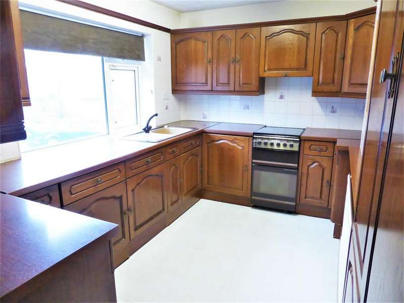 2 Bedrooms Flat for sale in Greenwood Road, High Green, Sheffield, S35 3GW