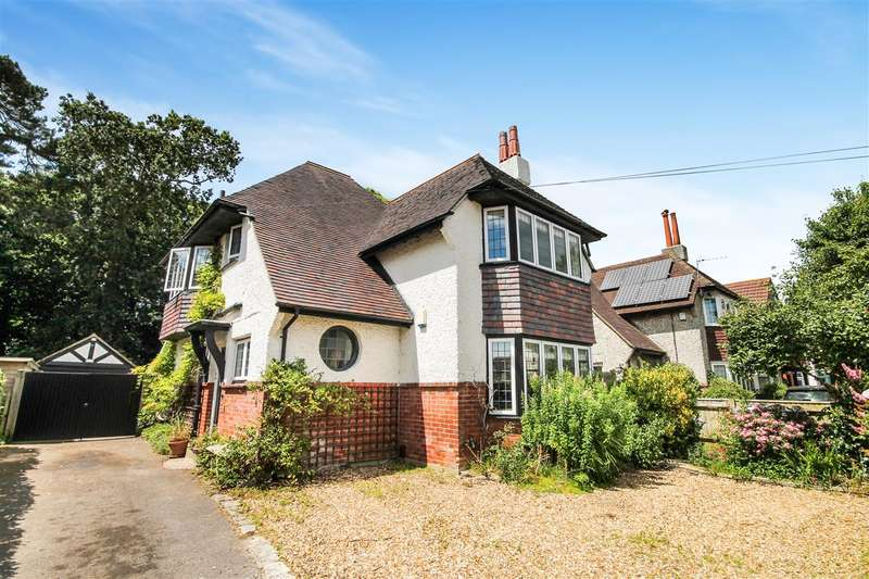 3 Bedrooms Detached House for sale in Seaward Avenue, Bournemouth