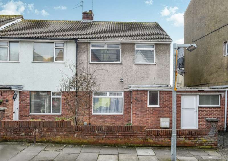 3 Bedrooms End Of Terrace House for sale in St Pauls Avenue, BARRY