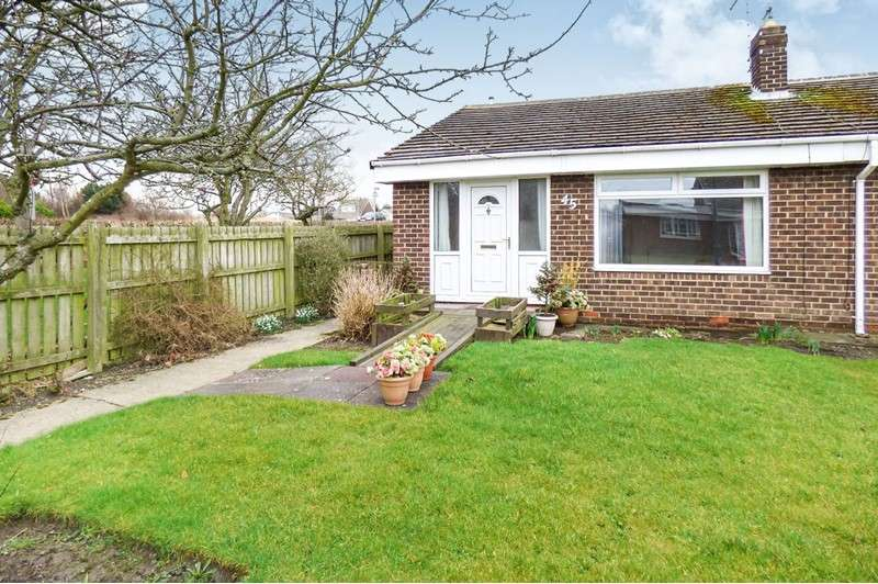 2 Bedrooms Bungalow for sale in Holland Park Drive, Jarrow, Tyne and Wear, NE32 4LN