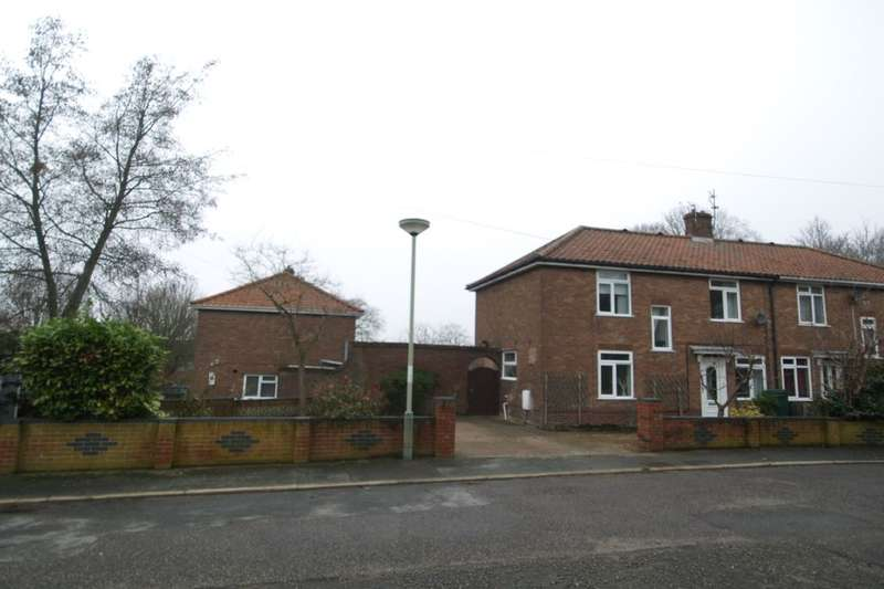 3 Bedrooms Property for sale in Lavengro Road, North City , Norwich, NR3