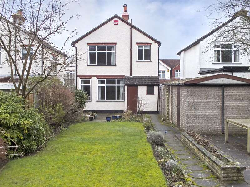 3 Bedrooms Detached House for sale in Manor Road, Farnborough, Hampshire, GU14