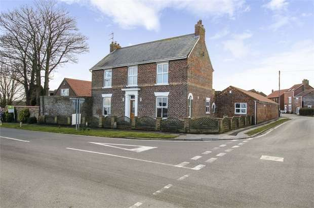 5 Bedrooms Detached House for sale in Main Street, Roos, Hull, East Riding of Yorkshire