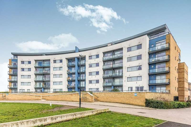 2 Bedrooms Flat for rent in Tideslea Path, Thamesmead, London, SE28
