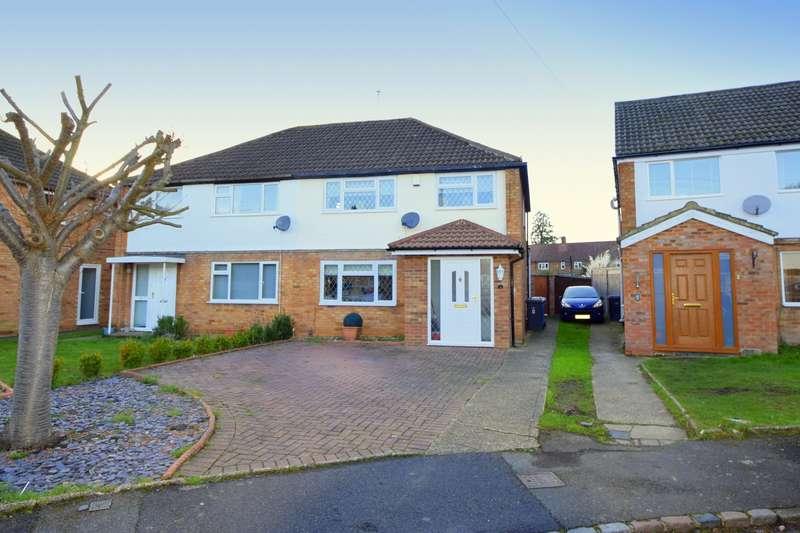 3 Bedrooms Semi Detached House for sale in Warrington Spur, Old Windsor, SL4