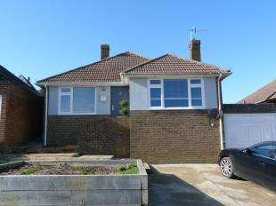 3 Bedrooms Bungalow for sale in Tumulus Road, Saltdean, East Sussex