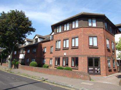 1 Bedroom Retirement Property for sale in Stadium Road, Southend-on-Sea, Essex