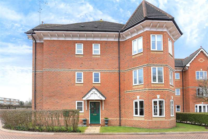 2 Bedrooms Apartment Flat for sale in Chesswood Court, Bury Lane, Rickmansworth, Hertfordshire, WD3