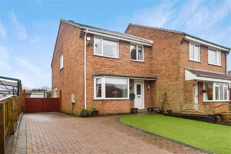 3 Bedrooms Semi Detached House for sale in Lightfoots Avenue, Scarborough, North Yorkshire, YO12