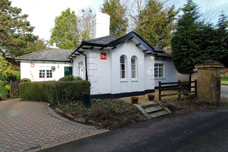 3 Bedrooms Detached House for sale in Winchester Road, Wickham