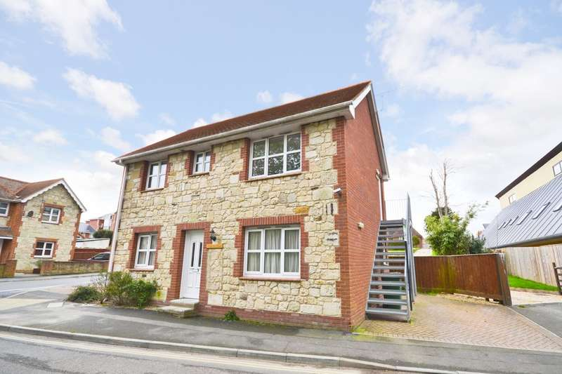 2 Bedrooms Maisonette Flat for rent in Freshwater, Isle Of Wight