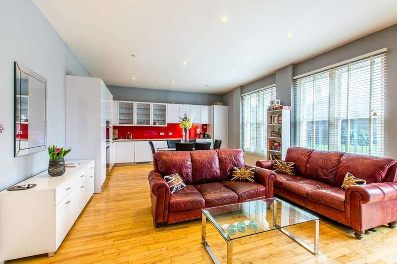 2 Bedrooms Flat for sale in Cavendish Road, Clapham South, SW12