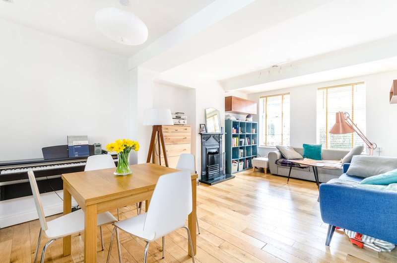 3 Bedrooms House for sale in Waters Road, Catford, SE6