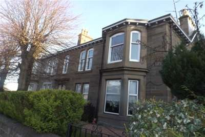 3 Bedrooms Flat for rent in Forfar Road, Dundee