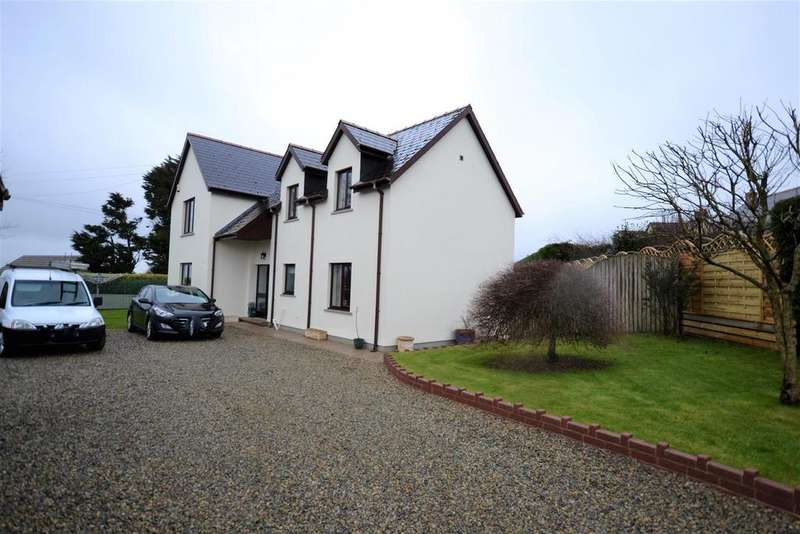 3 Bedrooms Detached House for sale in Rosemarket Road, Sardis, Milford Haven